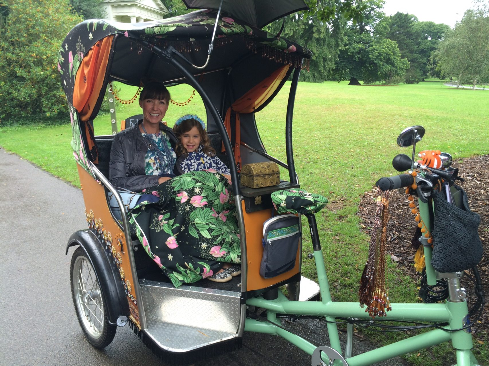 a tuk tuk tour in Kew Gardens about spices of the world