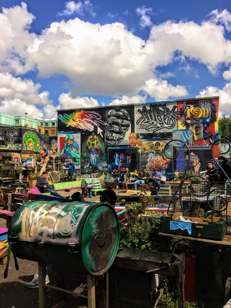 An amazing secret place in the heart of London - the Brick Lane Nomadic Community Garden. A cool coffee spot