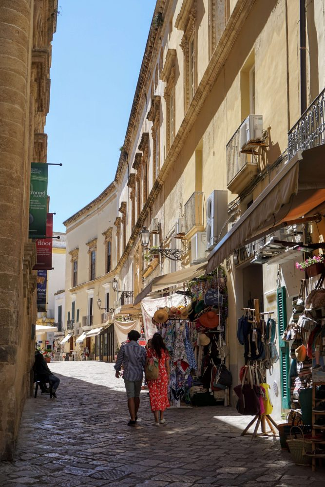 things to do in puglia : visit Gallipoli