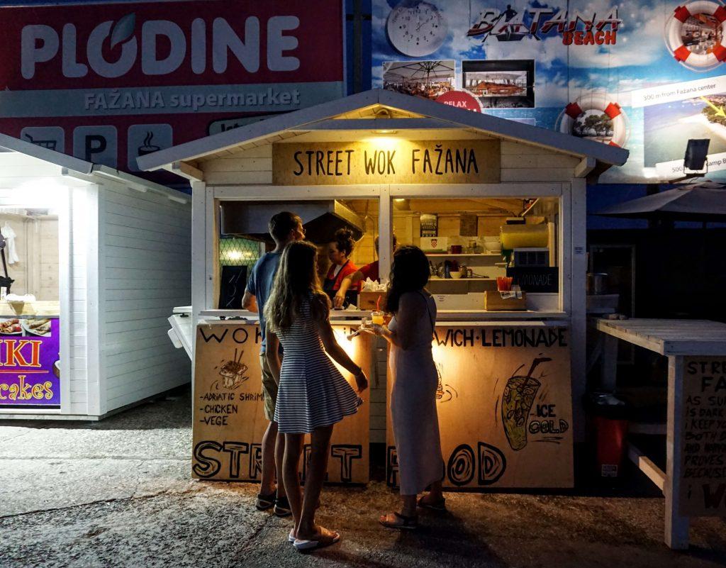 where to eat in fazana - the night market